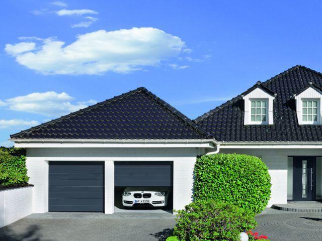 Une porte de garage pour une surface lisse et naturelle - Une sélection de portes de garage design