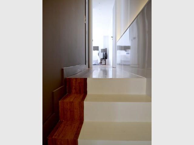 L'escalier qui mène aux chambres - Escalier