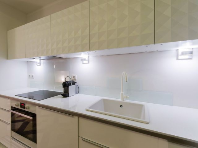 Une cuisine fonctionnelle et moderne - Rénovation d'un apprtement des années 1940 à Montpellier