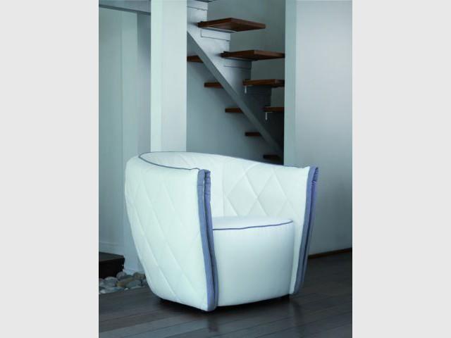 10 fauteuils l gants pour des am nagements pratiques et originaux. Black Bedroom Furniture Sets. Home Design Ideas