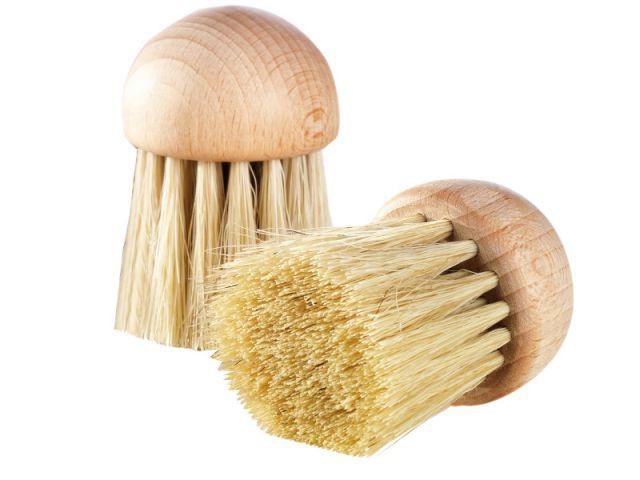 Une brosse à champignons - Les ustensiles de cuisine en Automne