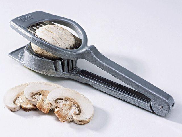 Un coupe-champignons - Les ustensiles de cuisine en Automne