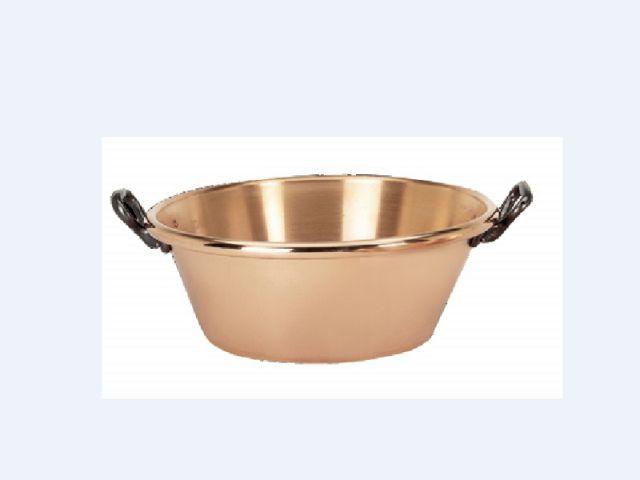Une bassine à confiture - Les ustensiles de cuisine en Automne