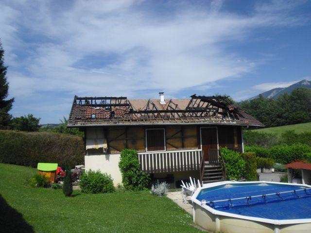 Le respect de l'architecture locale - Reconstruction totale d'une maison incendiée