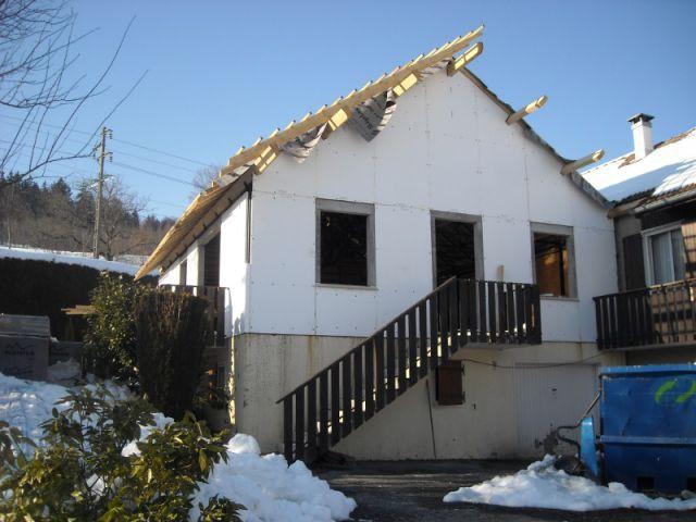Montage d'une double isolation - Reconstruction totale d'une maison incendiée