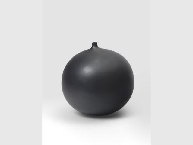 Vase boule Aurel noir - Jacques et Dani Ruelland, l'amour de la céramique