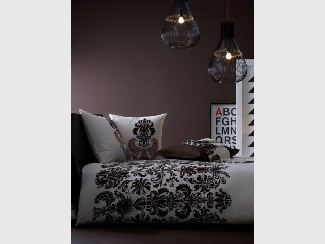Chambre noire et ambiance tamisée - Ambiance baroque et gothique