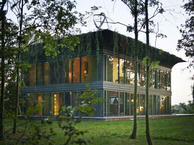 Maison PATH de Philippe Starck : maison à étage - PATH
