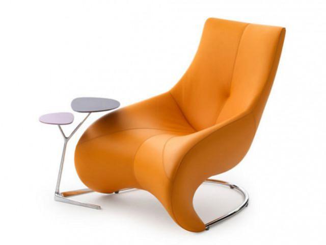 Un fauteuil orange au style des années 60 - Autour de la couleur orange