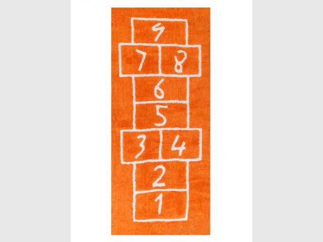 Un tapis marelle orange pour des jeux en couleur - Autour de la couleur orange