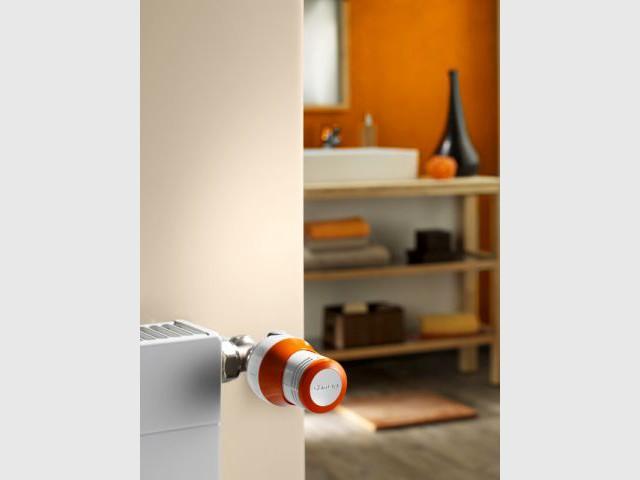 Un robinet thermostatique orange pour une déco total look - Autour de la couleur orange