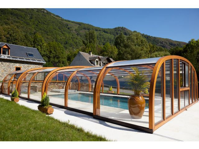 La construction d'un abri esthétique et modulable - Reportage abri de piscine montagne