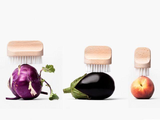 Des brosses pour nettoyer les légumes sans eau - Autour de la soupe