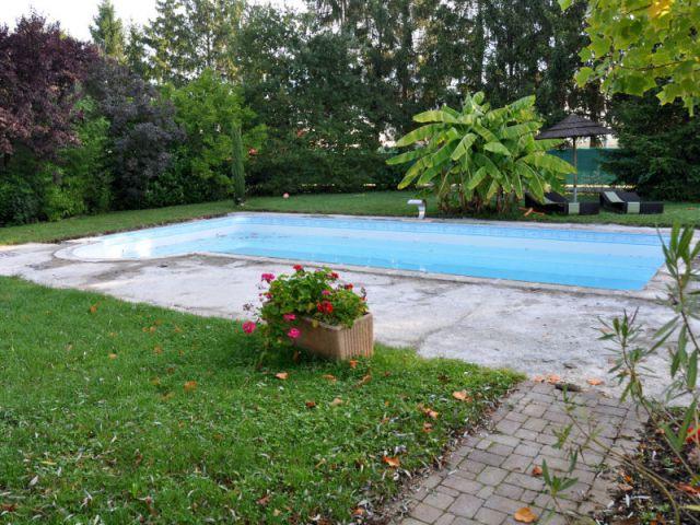Construction d'une nouvelle piscine personnalisée avec escalier et plage immergée - Avant - Trophées de la piscine 2014