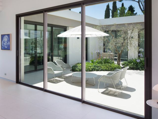 Villa moderne aux vues traversantes