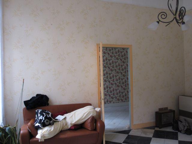 Un ancien salon complètement démodé - Rénovation appratement canut