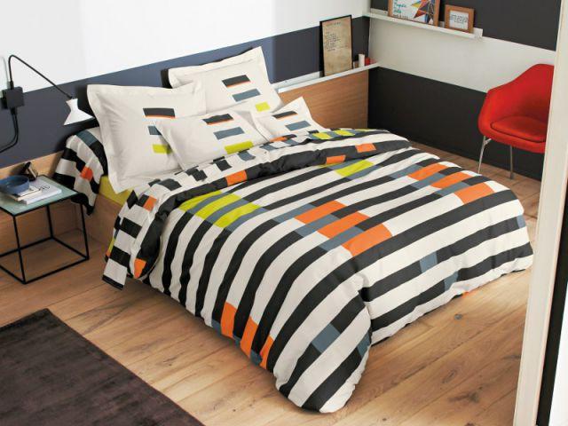 Une parure de lit graphique et colorée : 126 € - Idées pour relooker sa chambre