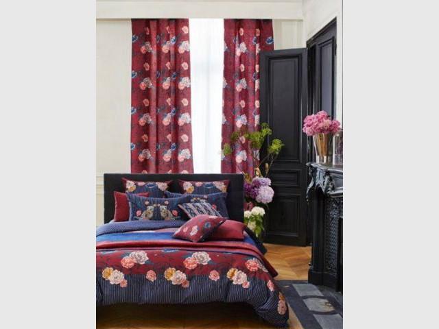 Une paire de rideaux colorés : 149 € - Idées pour relooker sa chambre