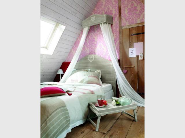 Un ciel de lit féérique : 89,90 € - Idées pour relooker sa chambre