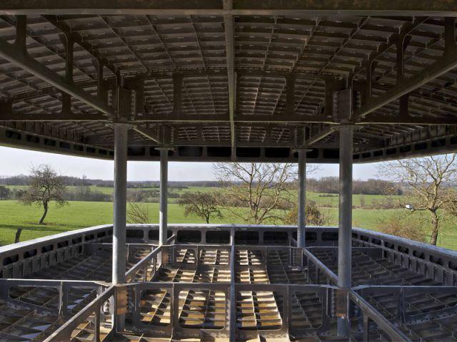 Une coque qui fait à la fois office de structure et d'enveloppe - Maison aluminium