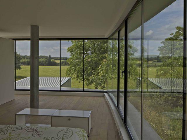 Un bandeau vitré pris entre deux coques - Maison aluminium