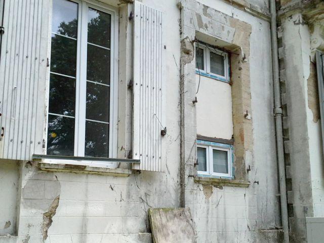 Dépose des volets  - Ravalement de façade d'un château du XIXème