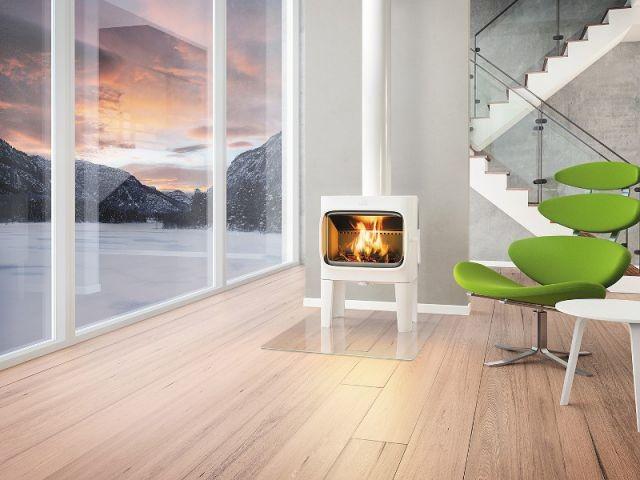 Un poêle à bois épuré pour se confondre avec le paysage - Dix chauffages design pour un intérieur classe
