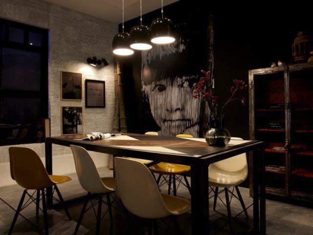 Un éclairage ciblé pour diner en toute intimité - Salon la nuit