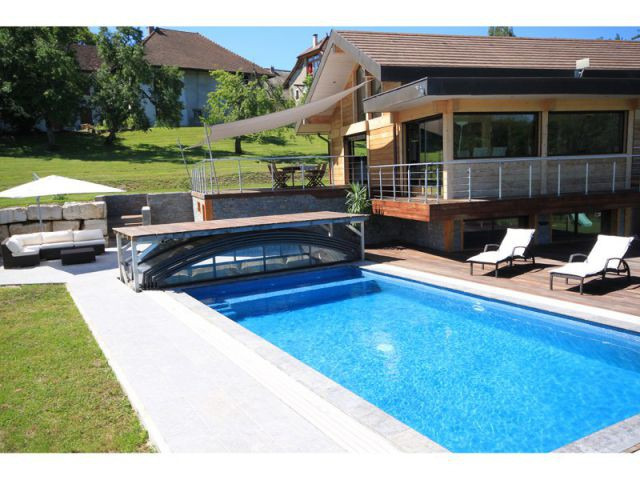Un abris de piscine à l'encombrement réduit - Les meilleurs innovations pour piscine de l'année