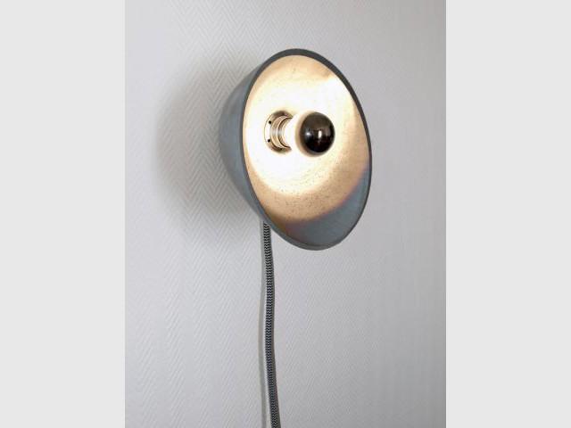 Une lampe en béton
