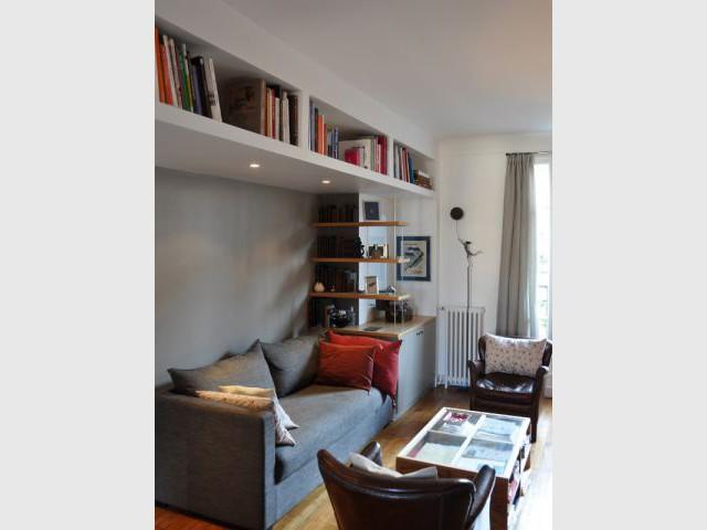 Une pièce studieuse et chaleureuse - Une salle de bains dynamise un appartement mal agencé