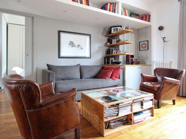 Un mobilier sobre et élégant - Une salle de bains dynamise un appartement mal agencé