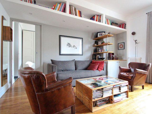Un double-séjour cloisonné pour créer une nouvelle chambre - Une salle de bains dynamise un appartement mal agencé
