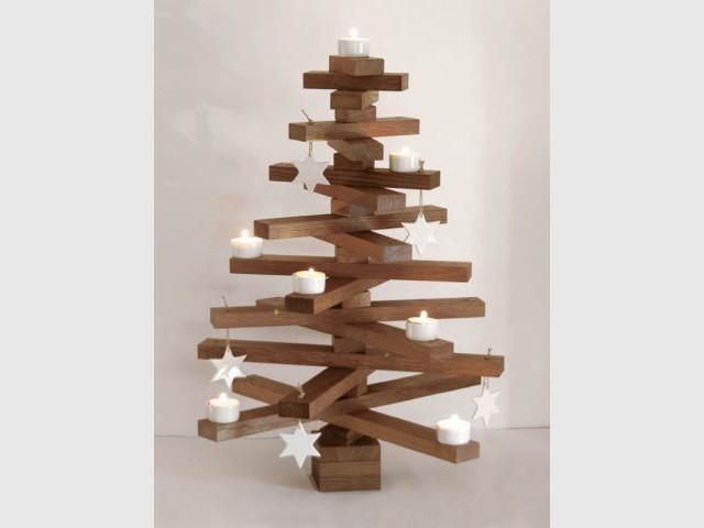 Un sapin en lattes de chêne pour un Noël épuré - Sapin de Noël