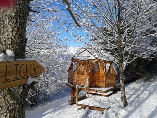 12 h bergements insolites la montagne - Nuits insolites cabane en bois montagne ...