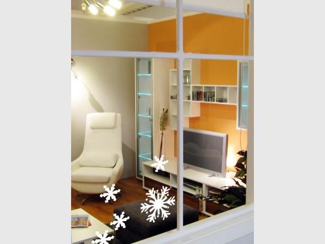 L'esprit de Noël sur les fenêtres - L'esprit de Noël souffle dans toute la maison