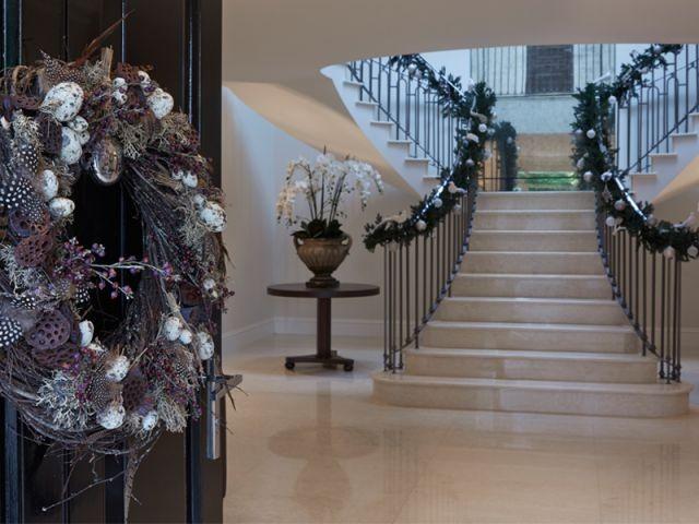 L'esprit de Noël sur les rampes d'escalier - L'esprit de Noël souffle dans toute la maison