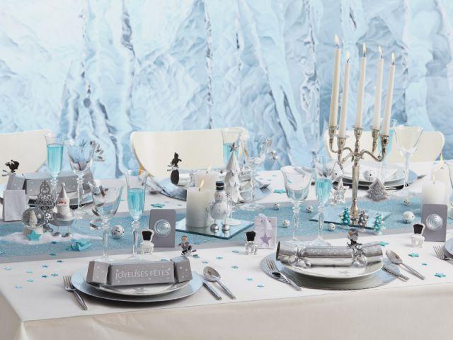 Placer des miroirs au centre de la table pour un style effet glacé - Dix détails pour une déco de tables originales