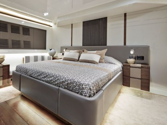 "Une ""master bedroom"" digne d'un grand hôtel - Yacht Pearl 65"