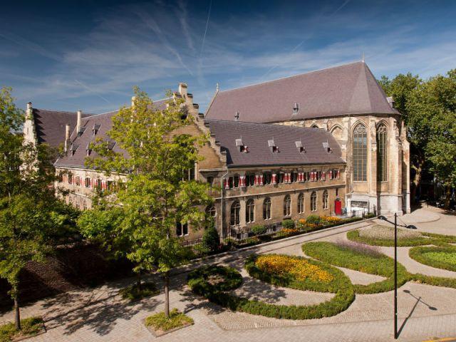 Un monastère à l'abandon - Hôtel Kruisheren, Maastricht