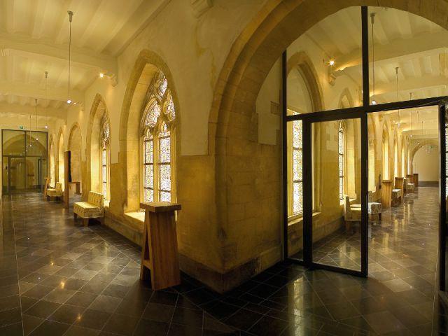 Le monastère accueille les chambres et suites - Hôtel Kruisheren, Maastricht