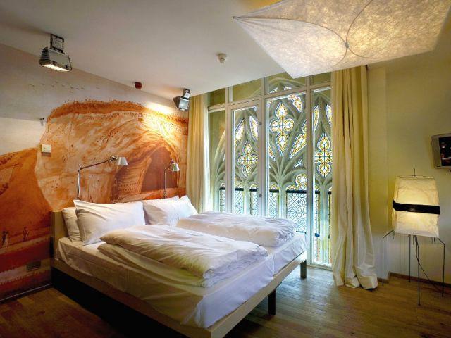 Chambre avec vue sur les vitraux - Hôtel Kruisheren, Maastricht