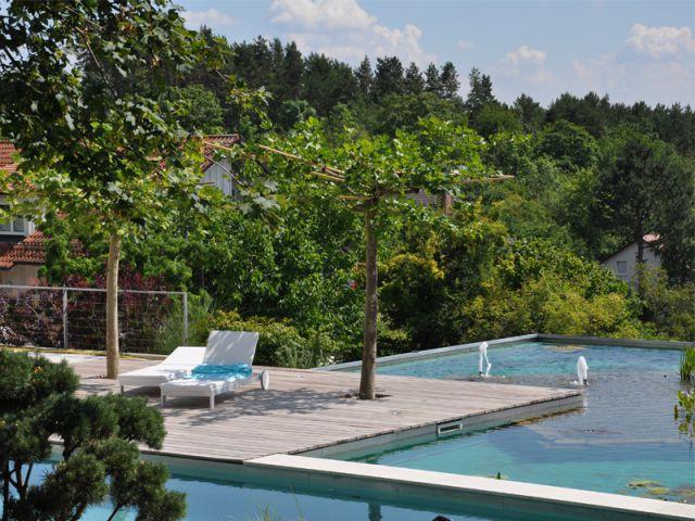 Une piscine sur le toit d'un garage 2/2 - Baignades naturelles