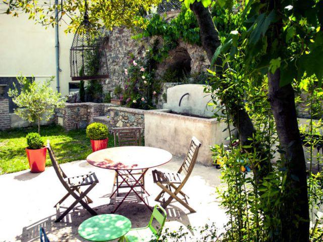 Un jardin méditerranéen pour une touche de verdure - Reconversion d'une ancienne papeterie en loft contemporain
