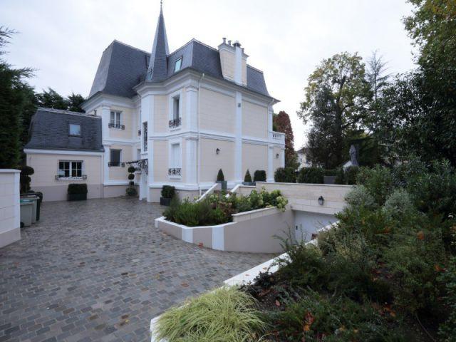 Une rénovation à partir de matériaux typiques de l'époque en harmonie avec le style de la demeure - Une demeure du 19ème siècle retrouve sa fraicheur et son authenticité