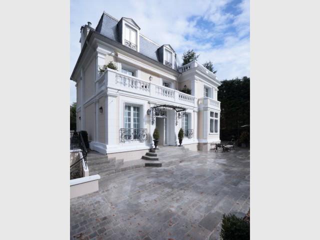 D'importants travaux de rénovation sur la structure du bâtiment - Une demeure du 19ème siècle retrouve sa fraicheur et son authenticité