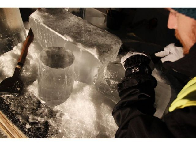 Des outils inspirés du métier de menuisier - Hôtel de glace suite Rococo