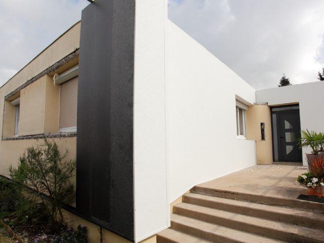 Des travaux plus lourds réalisés pour préparer la façade - Isolation thermique et d'un ravalement de façade en 20 jours