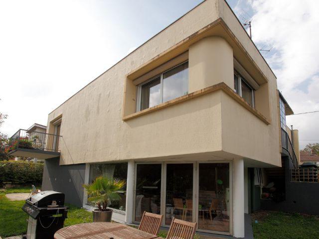 Une maison d'architecte des années 60 défraîchie  - Isolation thermique et d'un ravalement de façade en 20 jours