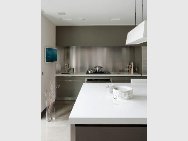 Un îlot central comme plan de travail - Création de deux cuisines